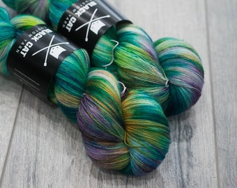Canadian Hand-dyed yarn 100% Superwash Merino Lace Yarn 115g 980 yards Lace weight. Link. Multicolored variegated yarn.