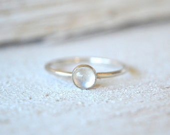 Moonstone Ring- Rainbow Moonstone Ring, Gemstone Stacking Ring, Natural Moonstone Ring, Moonstone Silver Ring, Dainty Moonstone Ring
