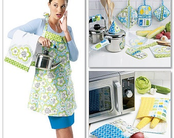 McCall's Pattern M6479 Apron, Towel, Potholders and Bags