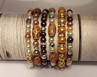 Set of 6  stretch bead  bracelets. summer colours. stretch braclets.