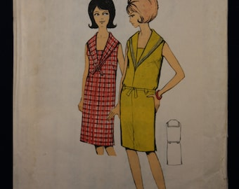 Vintage Sewing Pattern Blackmore 9826 for a Woman's 1960's Sleeveless Dress with Sailor Collar in Size 14