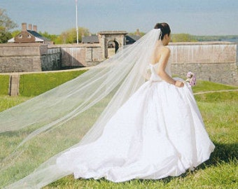 Cascading Cathedral single layer  white, ivory veil