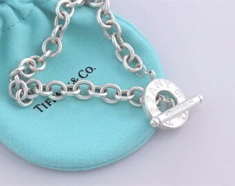 LIKE NEW!! Authentic Tiffany & Co. Sterling Silver Toggle Bracelet on a Chunky Chain