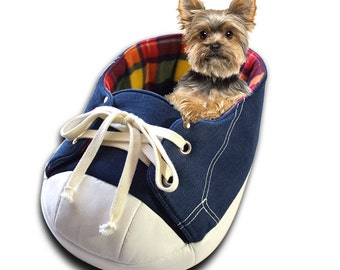 Sneaker Cat Bed, Modern Cat Bed, Dog Bed, Pet Bed, Rainbow Fleece, Cat Furniture, Cat Gift, Cat Cave, Cat Condo, Cat Lover Gift, Cat Bedding