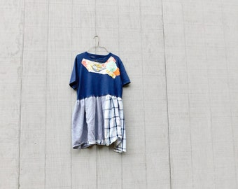 Navy Blue Shirt Upcycled Kleidung, bis radelte Kleidung, Recycling-Kleidung, Tshirt Kleid, Refashioned, Floral, Tunika, CreoleSha