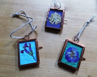 Set of 3 Hanging ornaments with real pressed flowers. Hand-made, unique pressed flower art.