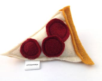 Pizza Slice Catnip Toy / Cat Toys / Cat Nip / Handmade / Pizza Slice Cat Toy / Pizza / Cute Cat Toys / Cat Gifts / Cats / Gifts for Cats