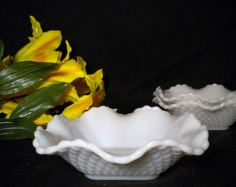 Set of 2 Vintage Ruffled Diamond Pattern Milk Glass Bonbon Dishes