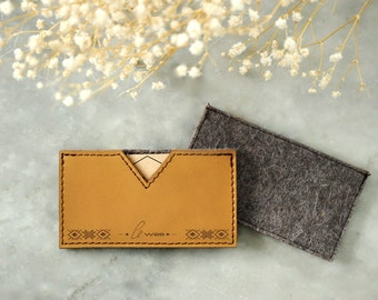 SALE! Leather Business Card Holder / Business Card Case with Engraved Etno Patterns. Handmade unique gift. Genuine Leather and Wool Felt