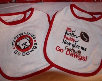 Georgia Bulldogs baby bibs, University of Georgia baby bibs,Bulldogs bibs,Red and black baby bib,Dawgs, New baby gift,baby shower gift