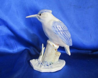 China Blue & White Kingfisher on a Post