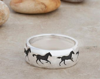 Galloping Horse Ring Laser Engraved