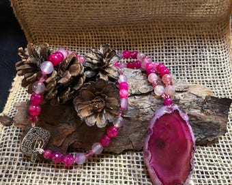 Red agate slice pendant necklace