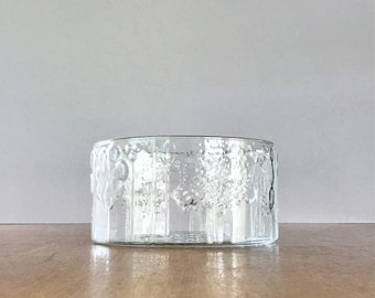 "Vintage iittala Glass ""Flora"" Serving Bowl - Oiva Toikka 7.5"" Diameter"