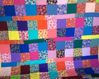 Colorful Daisy quilt/throw
