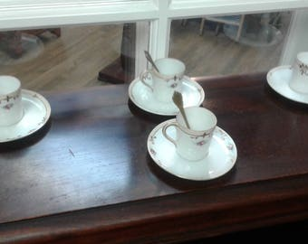 Set of 4 Hand Painted Nippon Demitasse Tea Cups and Saucers