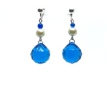 Reflecting blue beads, and white pearls earrings