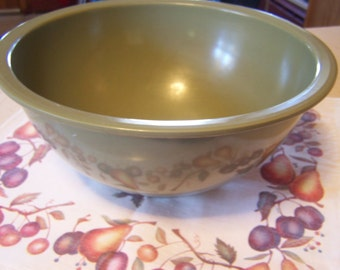 Mid Century Texas Ware Mixing Bowl, Sage Green Melmac/ Melamine, Older, Mid Century Modern,  Nice Condition