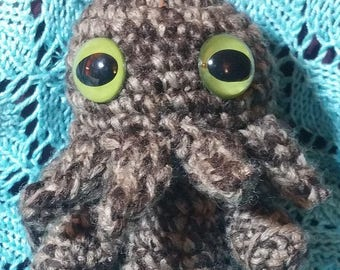 Steam-mas special Big Eyes brown Cthulhu Almost 6 in tall.