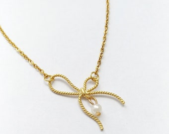 Gold plated bow with pearl necklace, bow necklace, pearl necklace, dainty necklace, bow chain necklace, pearl jewelry