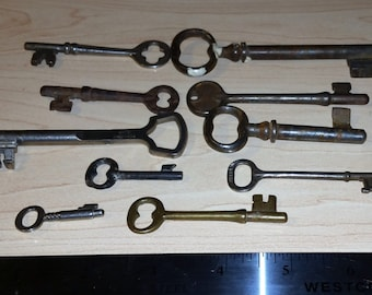 Vintage skeleton keys 10 total