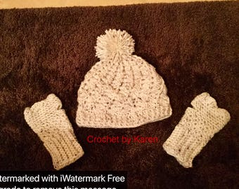 Crochet hat and fingerless gloves set