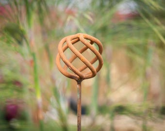 Twisted Sphere Plant Support