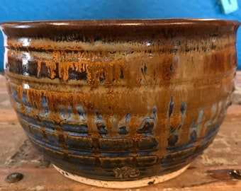 Sky Blue and Iron Red Texture Serving Bowl