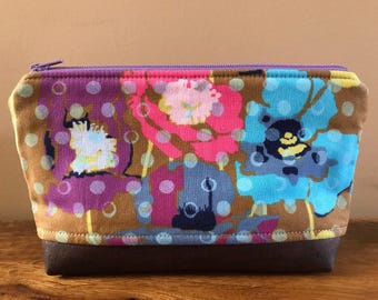 Zipper Pouch - Anna Maria Horner Field Study Poppies and brown cork leather bottom