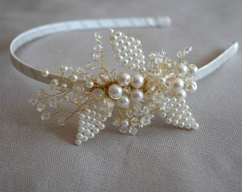Flower Girl Hair hoop,Flower girl crown,Flower girl headband,flower girl accessory,white flower girl flower crown,flower girl head wreath