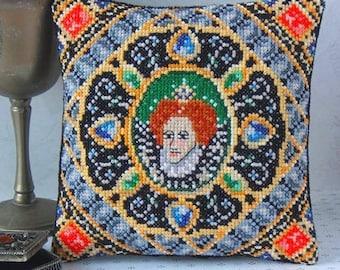 Portrait of Elizabeth I Mini Cushion Cross Stitch Kit