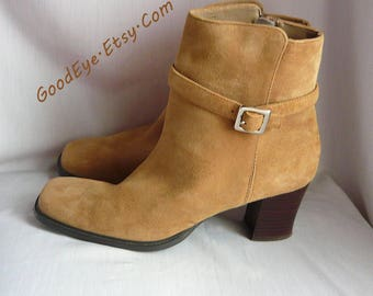 Vintage Suede Leather Ankle Boots Suede/ size 8 M Eur 38.5 UK 5.5 /Chunky HEEL Booties Square Toe / Side Zipper Beige Sand / Karen Scott