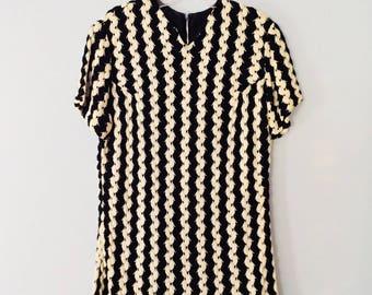 1960s Dress Black and White Mod Woven Shift