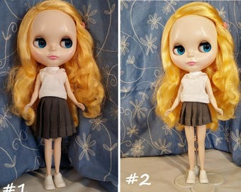Blythe doll, Blythe skirt, school uniform, school girl, Pleated skirt, gray skirt.
