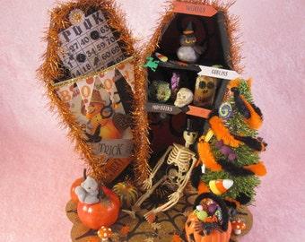 Halloween Coffin Diorama