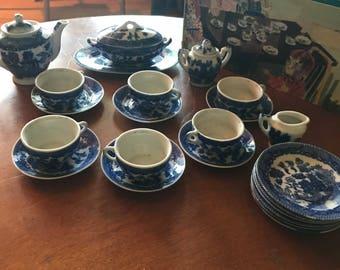 Vintage childs tea set.Sears brand Blue willow design