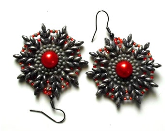 Beadweaving Earrings. SuperDuo Beadweaving Earrings. Beaded earrings.