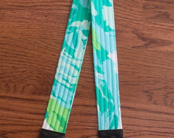 CAMERA STRAP in Lilly Pulitzer First Impressions Blue