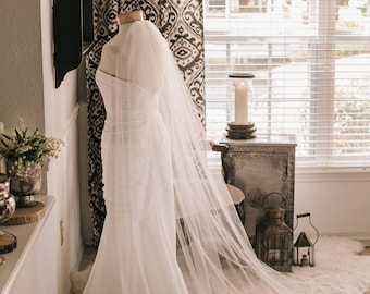 Traditional Wedding Veil, Long Bridal Veil in White, diamond white, ivory and more -- Jes' Mountain Veil
