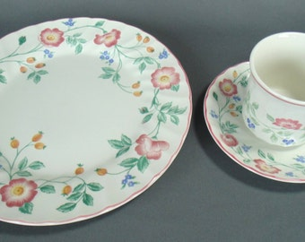 4 SETS Of Churchill Briar Rose Staffordshire English China Dinner Plate Cup & Saucer Brand New In Their Boxes MINT