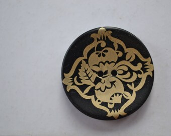 large button round fancy j 34 mm diam.
