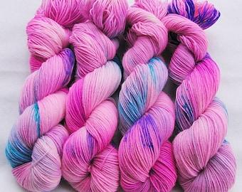 Handdyed SockYarn, 75 Wool, 25 Polyamid 100g 3.5 oz. Nr. 131