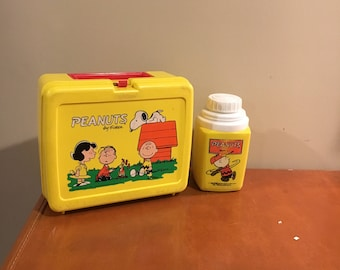 Thermos Charlie Brown lunch box and thermos