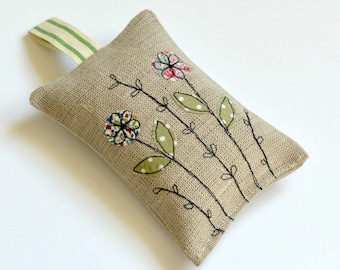 Lavender bags, lavender sachets, lavender bags embroidered, dried lavender, scented sachets, scented bag, English lavender, scented bags