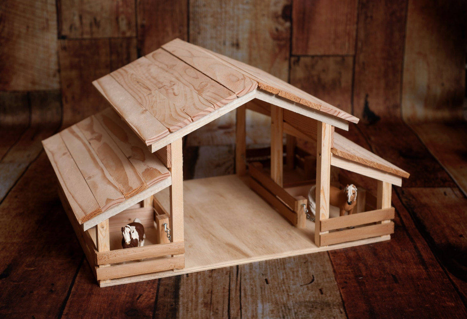Wood Toy Barn With 4 Stalls