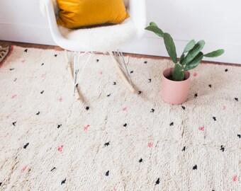 Tapis à poils longs de petit Pois, tapis marocain, tapis de chambre d'enfant, tapis berbère, Beni Ourain, tapis de laine, tapis minimaliste, tapis Boucherouite, Boho tapis, tapis enfant