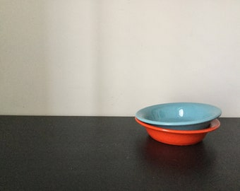 Vintage minimalist ceramic bowls. Colorful // ice cream // soup // salad // cereal bowls // red // blue // small serving // mid mod / summer