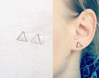 chips, graphic minimalist silver triangle studs earrings