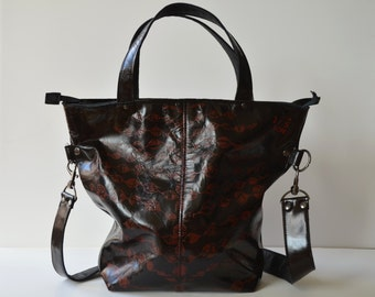 Black leather tote with brown print (shoulder strap)