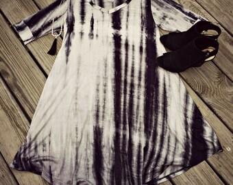 Tie dye trapeze v-neck shirt dress